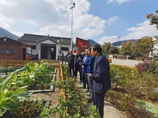 江西省新干县人民政府一行领导到正清环保考察交流