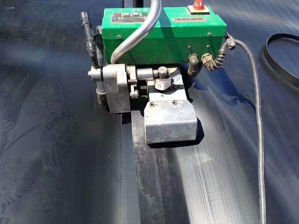 土工膜焊接机图片.jpg