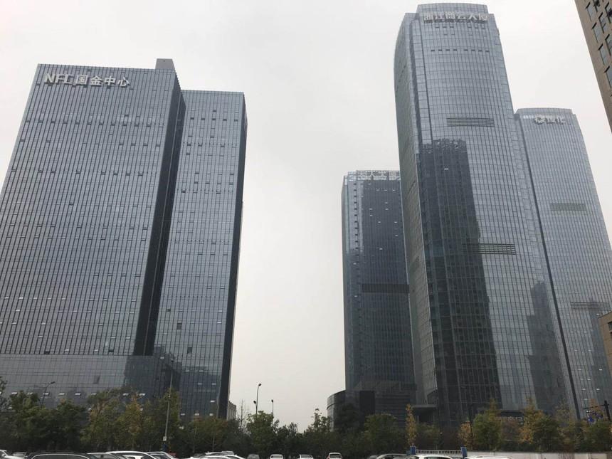 中国绿都房产-国金中心-天人大厦.JPG