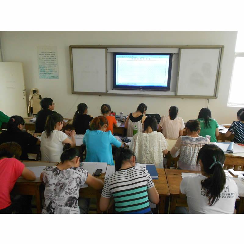 讲课用大屏幕高清显示器.jpg