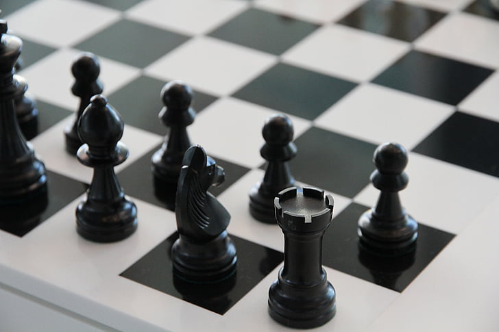 chess-chess-board-black-play-preview.jpg