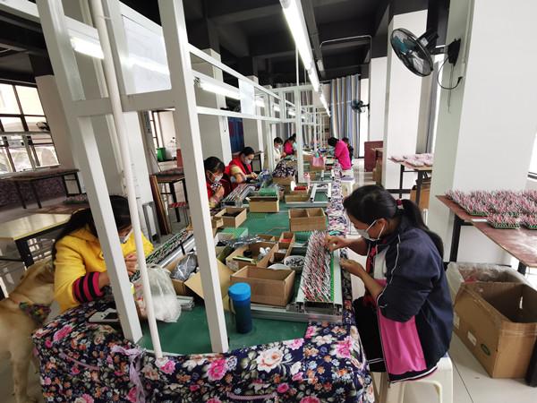 赤南镇社区工厂有序复工复产.jpg