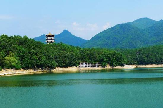 红寺湖.jpg