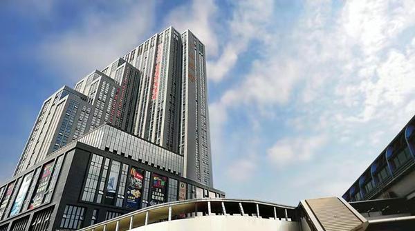 金銮大厦楼下的银行.jpg