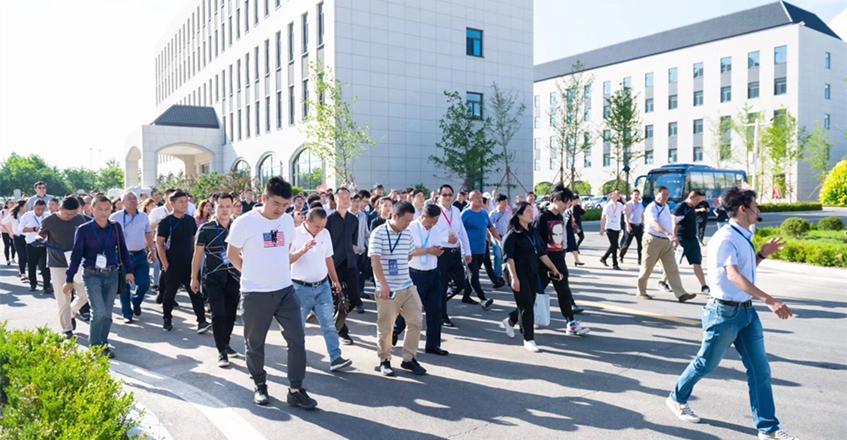 第七届中国木结构产业大会暨文旅康养与木结构产业合作论坛在鲅鱼圈召开