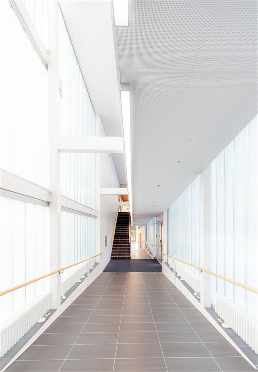 corridor_between_blocks.jpg