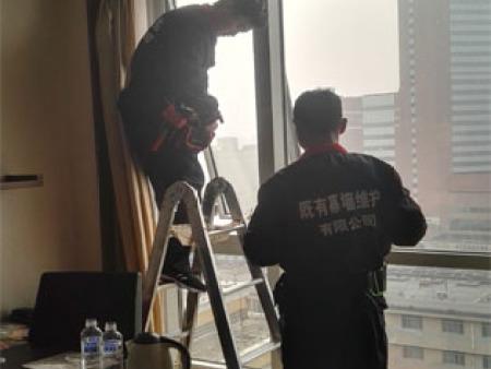 济南玻璃幕墙加固.jpg