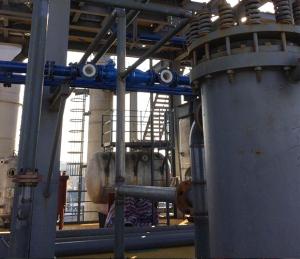 钢衬聚四氟乙烯管件适用于高温下的高腐蚀性气体和液体。.jpg