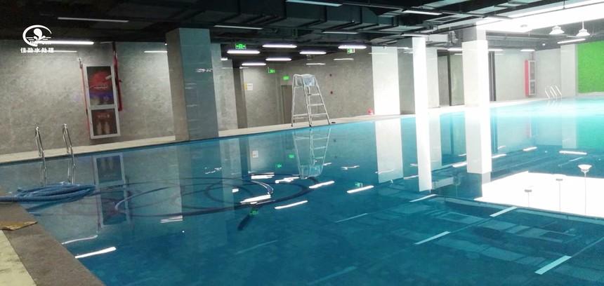 恒温泳池图片