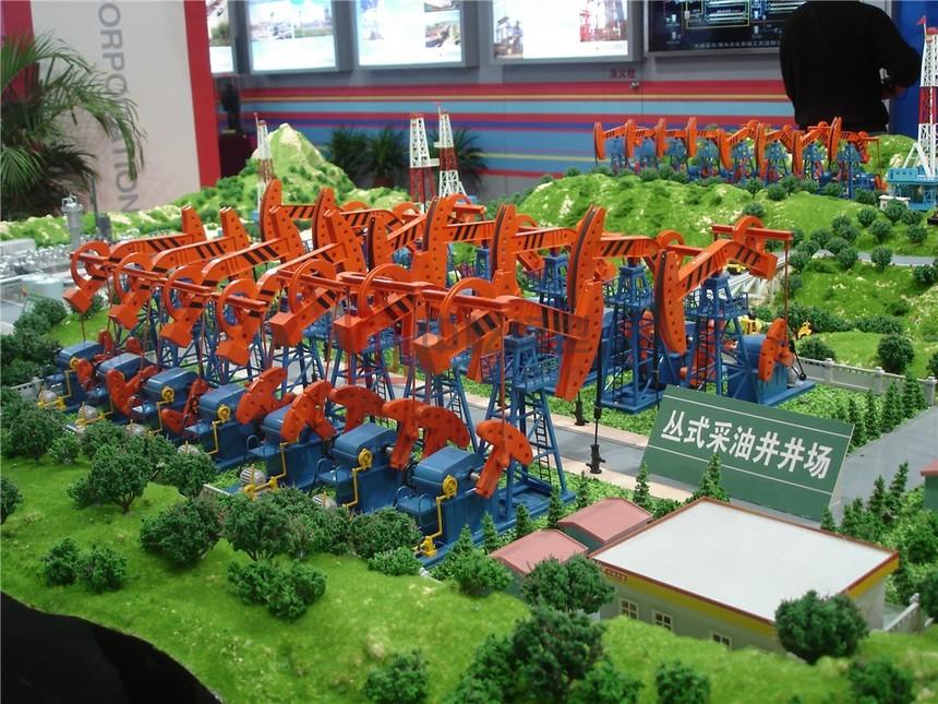 8丛式采油井模型.JPG