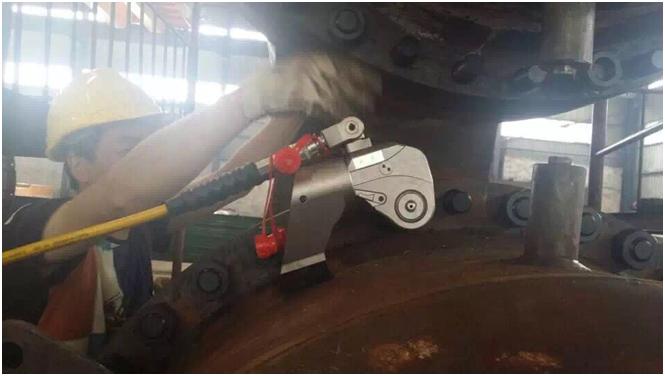 化工行业液压扳手使用案例