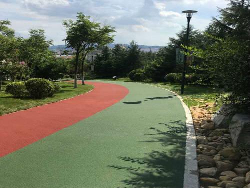 公园休闲步道.jpg