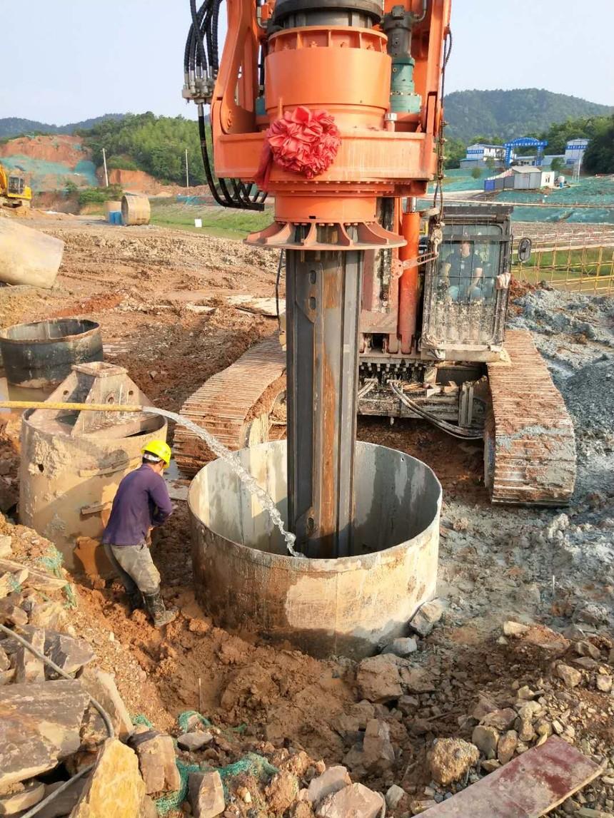 旋挖钻机学徒包就业,旋挖钻机机手