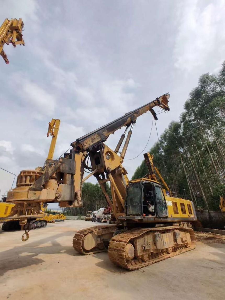 广西旋挖机钻机培训学校,旋挖机钻进时孔位偏斜、弯孔和缩孔的原因及对策