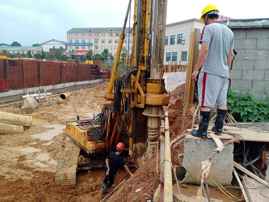 广西旋挖机钻机培训学校,施工方为什么选旋挖钻施工