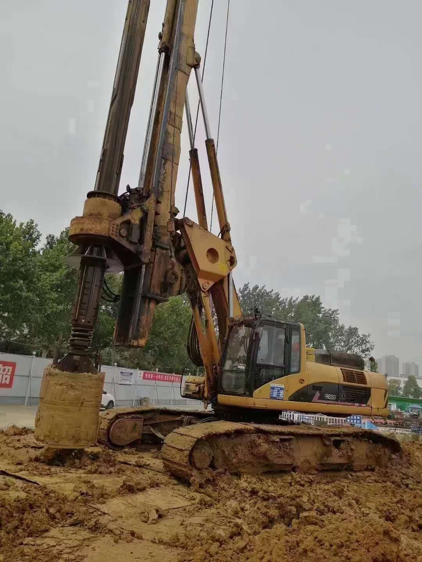 旋挖钻机三级教育技术交底,旋挖钻机成孔施工成本计算
