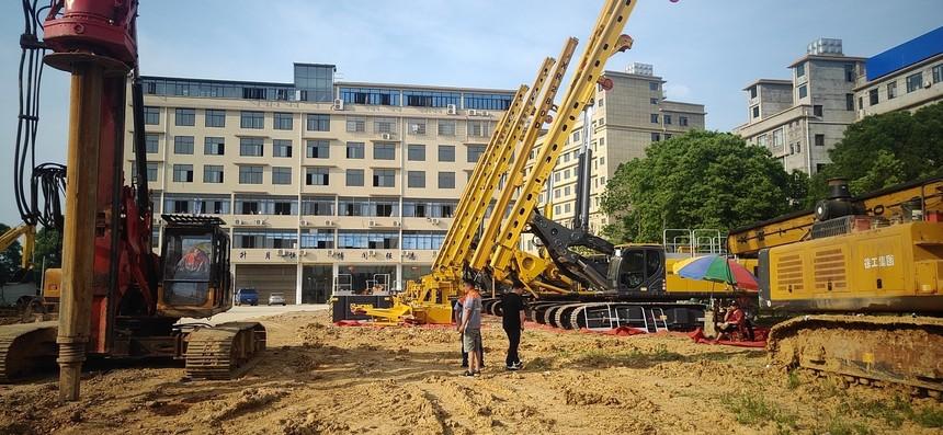河南旋挖钻机培训基地,旋挖钻机型号