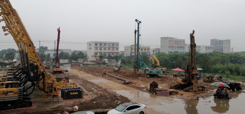 深圳旋挖钻机培训学校,宝峨旋挖钻机BG28上加压解析