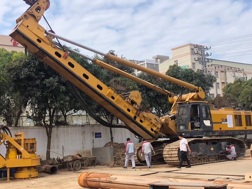 宇通重工旋挖钻机培训,SANY旋挖钻机发动机的保养