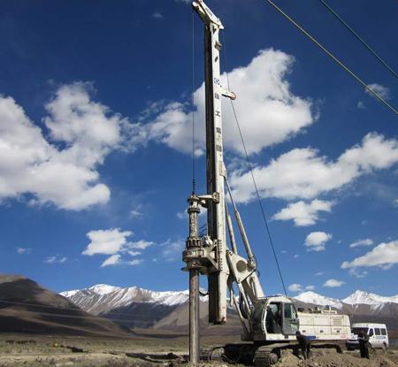 三一旋挖机厂培训基地,旋挖钻机钻杆该如何清理