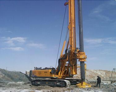 徐工集团旋挖机培训基地,旋挖钻机保证倒车回转时钻机及人员的安全