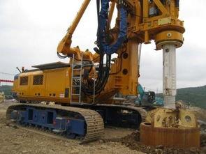 广州三一旋挖钻机培训学校,履带与轮式打桩机的不同之处