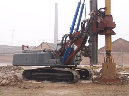 枣阳学习旋挖钻机费用,农村基础打桩机的操作注意事项