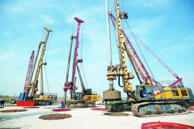 旋挖钻机学校学费多少钱,旋挖钻机厂家旋挖机钻杆配置建议