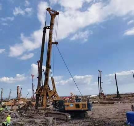 旋挖钻机工地学习旋挖钻机多少钱价格表