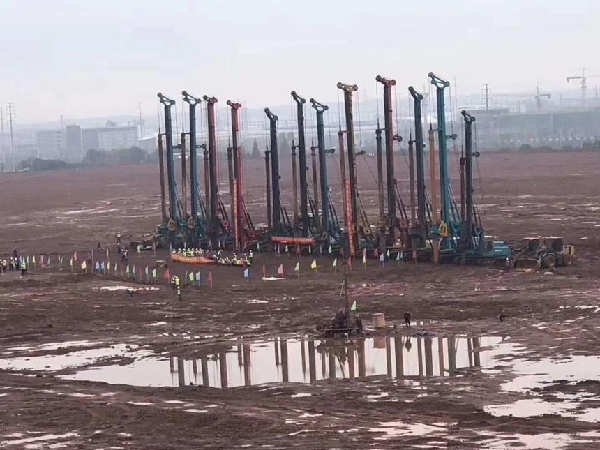 广西旋挖钻机教育机构利勃海尔LB 35旋挖钻机