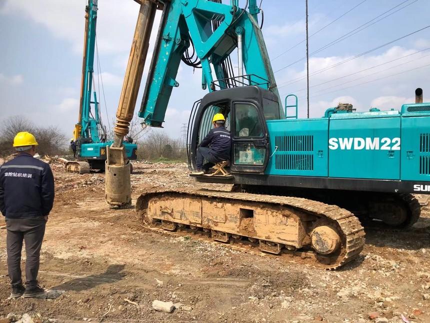 广西旋挖钻机培训基地旋挖钻机施工的8个动作