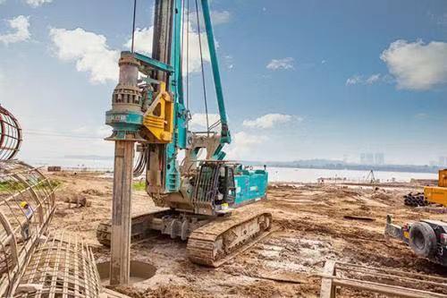 山东旋挖钻机培训基地能行吗机锁杆如何正确寻找加压台锁点
