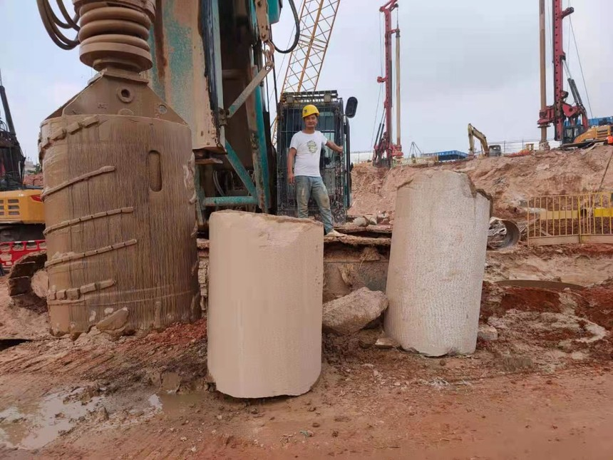广东旋挖钻机培训学校旋挖钻机成孔施工技术要点