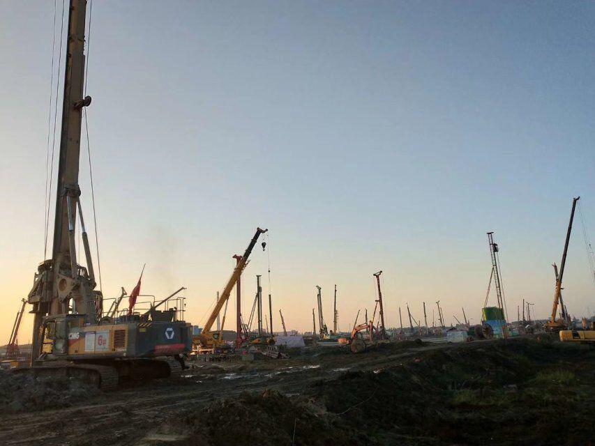 徐工旋挖钻机培训教育旋挖钻机使用过程中钻杆下溜的原因