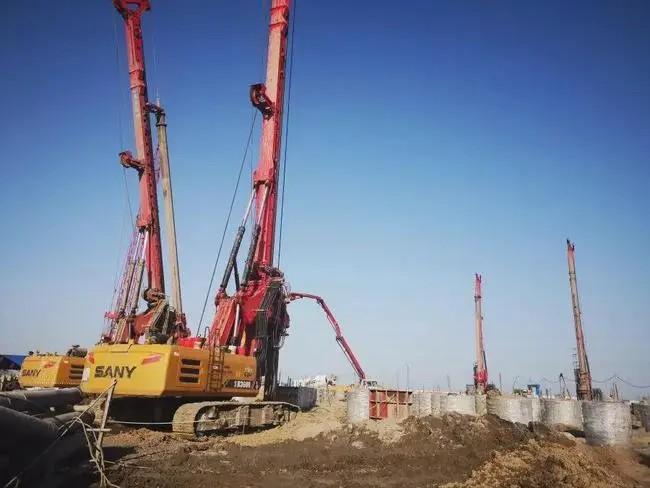 打桩机培训学校要交多少学费旋挖钻机企业与客户的视角