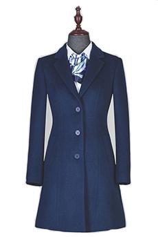 蓝色顺毛中长款女大衣