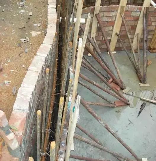 池壁浇筑好混凝土