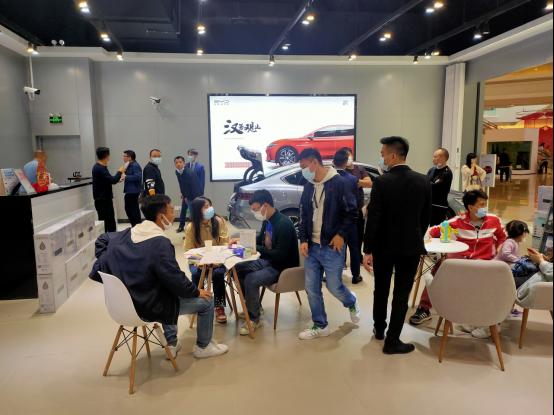 【简讯】过节不打烊,商圈探汉唐——比亚迪新能源车火爆春节商圈728.png