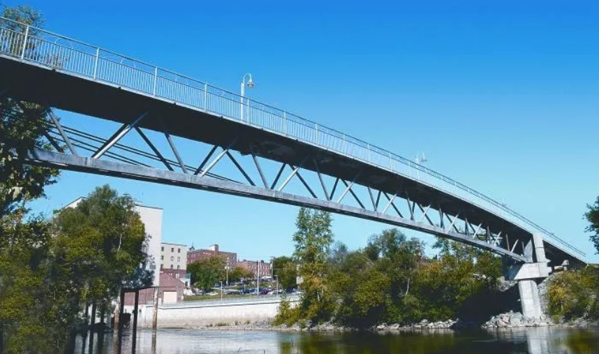 第一座UHPC桥梁,Sherbrooke Pedestrain Bridge in Canada