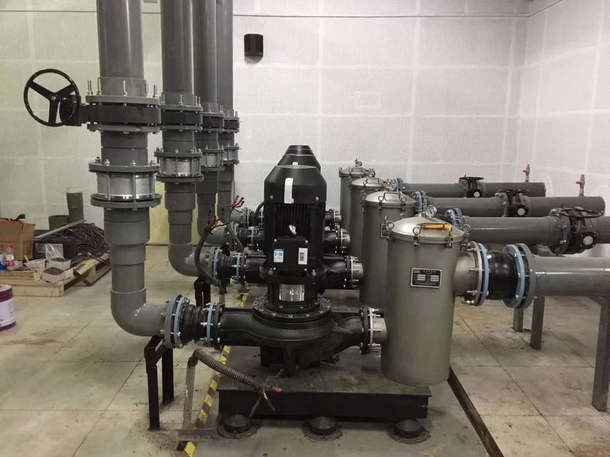 更换新水泵.jpg