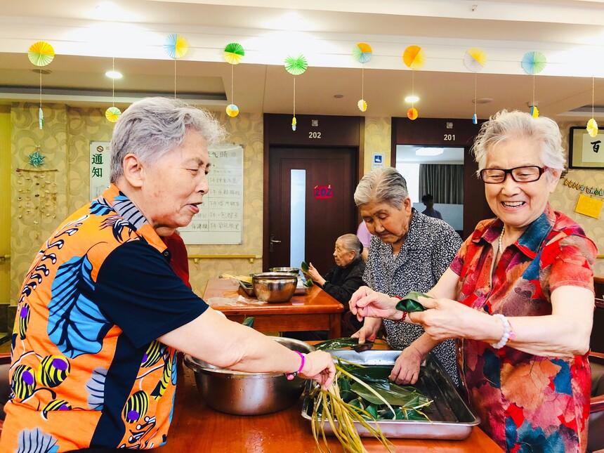 丰台区养老院老人活动
