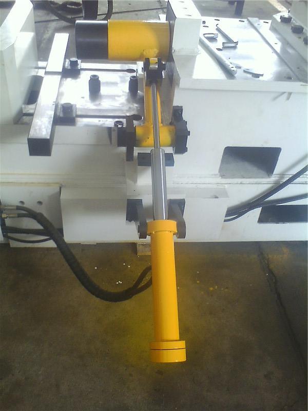 双作用二级油缸在铁路检修设备上的应用.jpg