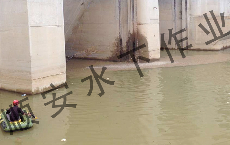 云南电站清淤-(2).jpg