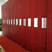红色棉门帘