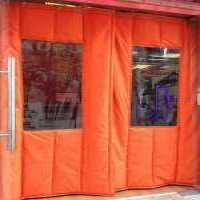 橘红色棉门帘