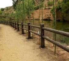仿树护栏设计