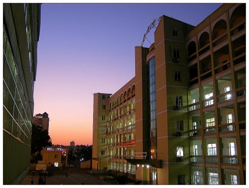 校园黄昏.jpg