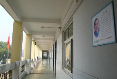 静静的走廊.jpg