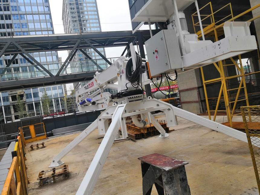 HG17B-3R斜支腿布料机-上海建工-真如副中心项目-上海1.jpg