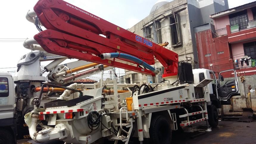 TP25M4混凝土臂架泵车 - 马来西亚项目1.jpg